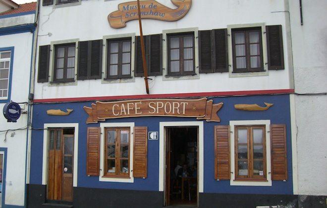 "Treffpunkt vieler Azorensegler ist ""Peter's Sports Bar"" in Horta."