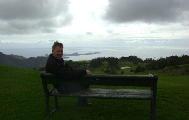 Blick von einem Golfplatz auf Madeira auf die Ostküste.