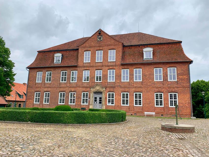 Schloss Plüschow